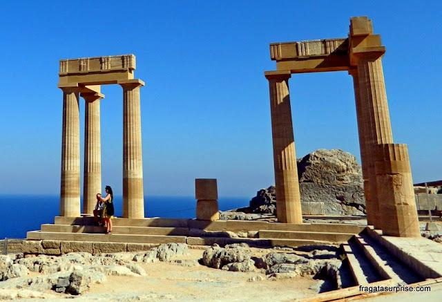 Estoa helenística da Acrópole de Lindos, construída pelos romanos
