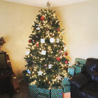 Jill and Derick Dillard Christmas tree
