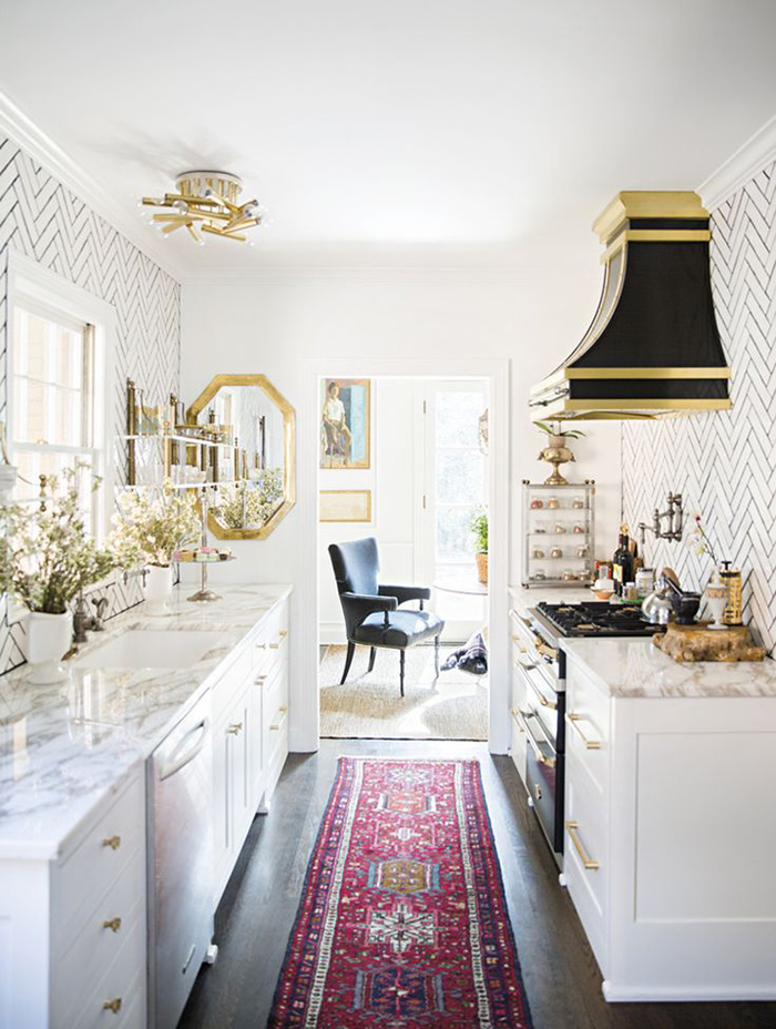 Ill Seen, Ill Said: Kitchens with rugs