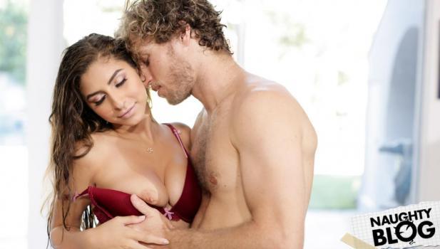 Erotica X – Nina North: Wrong House