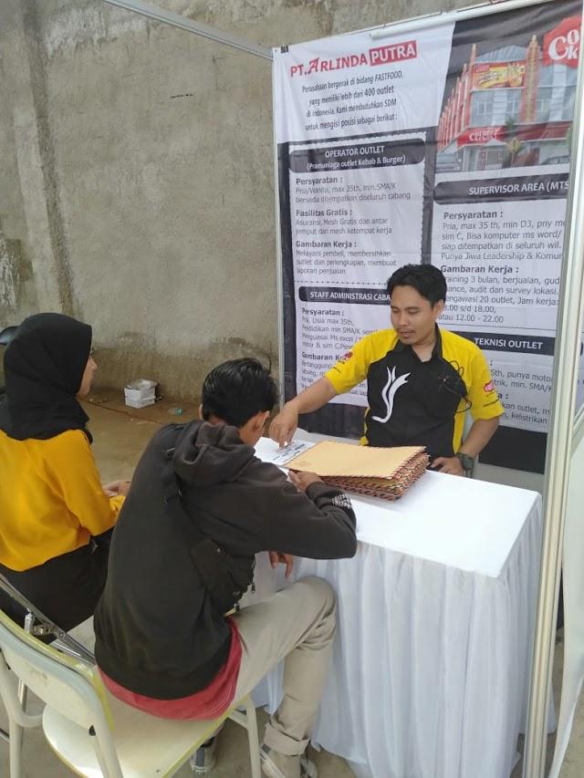 Pencari Kerja dari Luar Kuningan Kunjungi Job Fair 2019 SMK Pertiwi