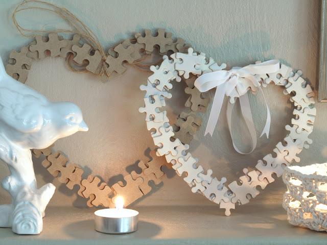 DIY dekoráció-koszorú puzzle-ből újrahasznosítás újrahasznosítással Valentin-napra.