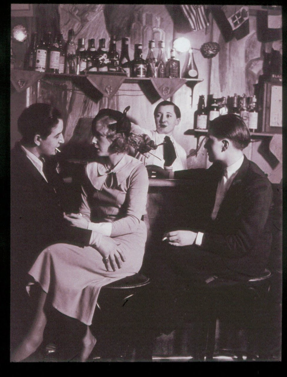 a couple at the le monocle lesbian nightclub paris 1932 vintage everyday. Black Bedroom Furniture Sets. Home Design Ideas