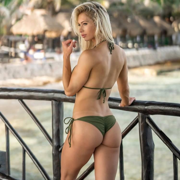 fitness model Heather Marsh