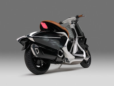 Yamaha 04Gen Concept Scooter back view