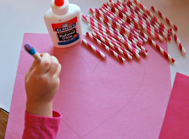 ExSTRAW Special Valentine- great fine motor heart craft for preschoolers, kindergarten, or elementary kids.  Use paper straws to make heart shape!