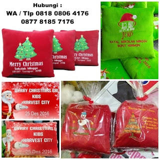 Bantal Natal, Bantal Souvenir Kado Natal Santa Claus, Souvenir Natal Merry Christmas, bantal souvenir bisa bordir dan printing murah, Bantal Natal Velboa, Bantal Bordir Natal, Bantal printing edisi natal dan tahun baru