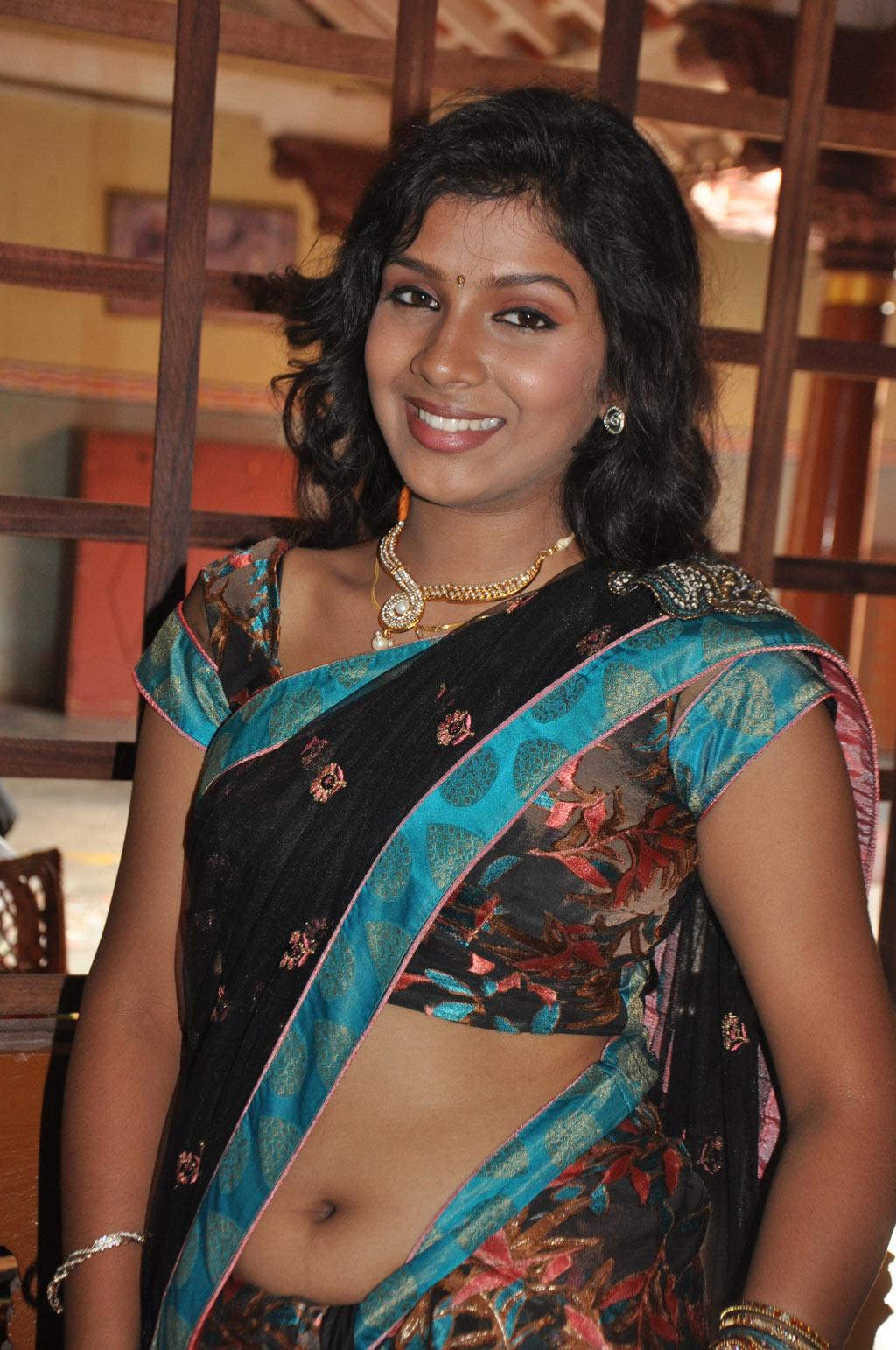 Gallery Nude Girls Sexy Gajamugan Movie Actress Saree Navel-3524