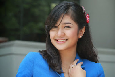 foto dan profil Mikha Tambayong