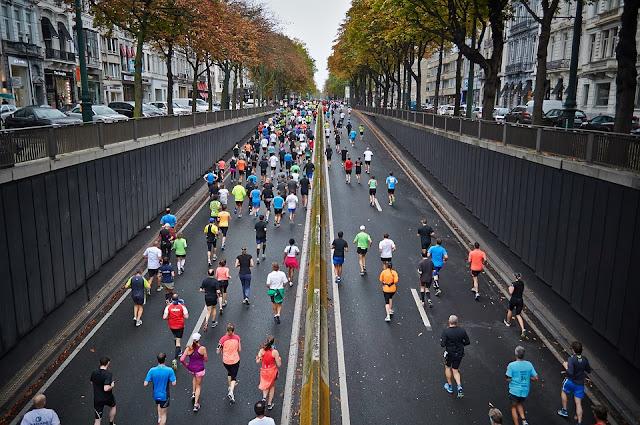 Manfaat Olahraga Lari Pagi Sore Hari Bagi Tubuh