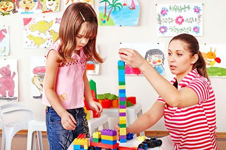 Menumbuhkan Kreativitas Anak Lebih Penting Daripada Produktivitas