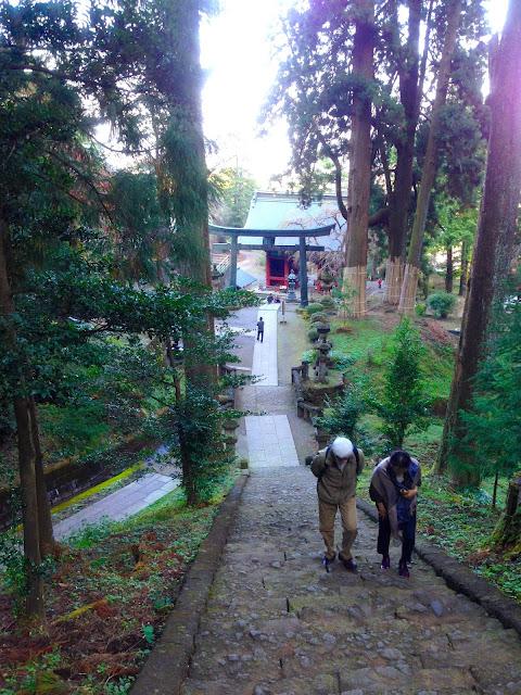 パワースポットの風格たっぷりな妙義神社参道