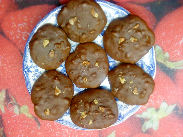 Galletas blandas de chocolate y nueces