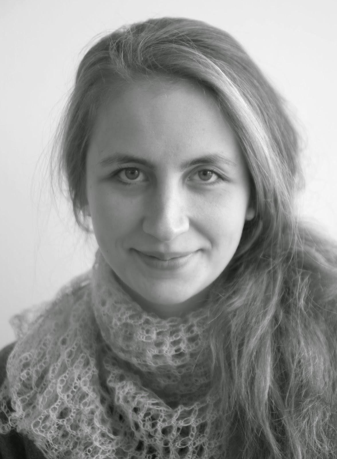 Foto von Sonja Simone Albert, Dozentin des Malereiworkshops