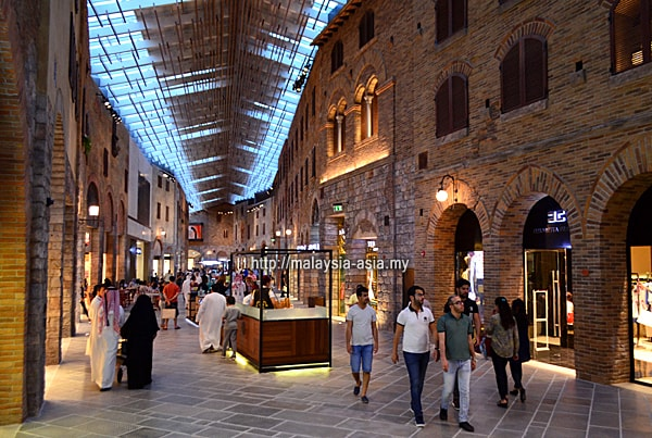 Outlet Village in Dubai