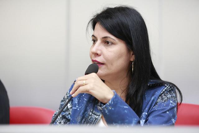 Fim da Mamata? Prefeita de Cacoal Glaucione Rodrigues demite 180 cargos comissionados; Confira nomes
