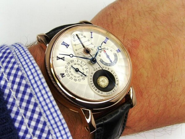 Real Moon 1980 Beautiful Watch for Men