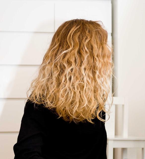 Marion Hairline płyn do włosów kręconych do stylizacji loków