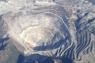 Contoh, Penggolongan dan Pengertian Sumber Daya Alam: Bahan Tambang