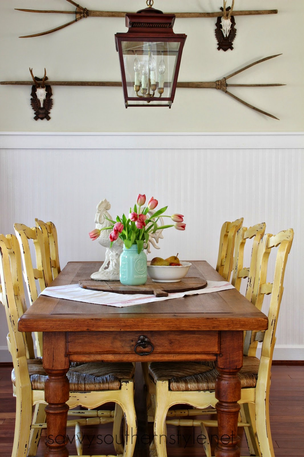 French Farmhouse Table Simple Vignette 2082015