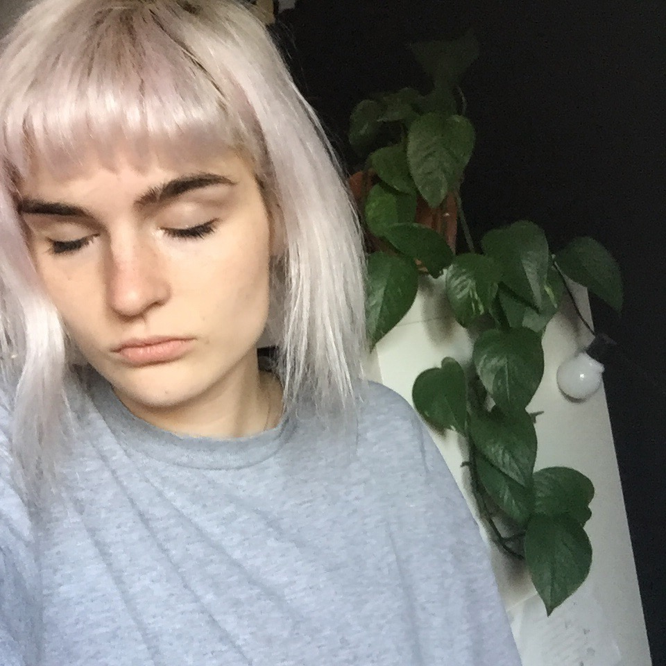 pink tint from Bleach london Rosé shampoo in natural light