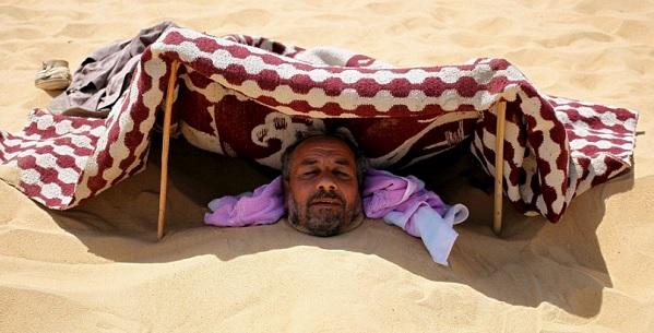 Registan me ilaaj, unique treatment, burying in desert, treatment in desert, Misra, Siva Desert in Egypt, Egypt Desert