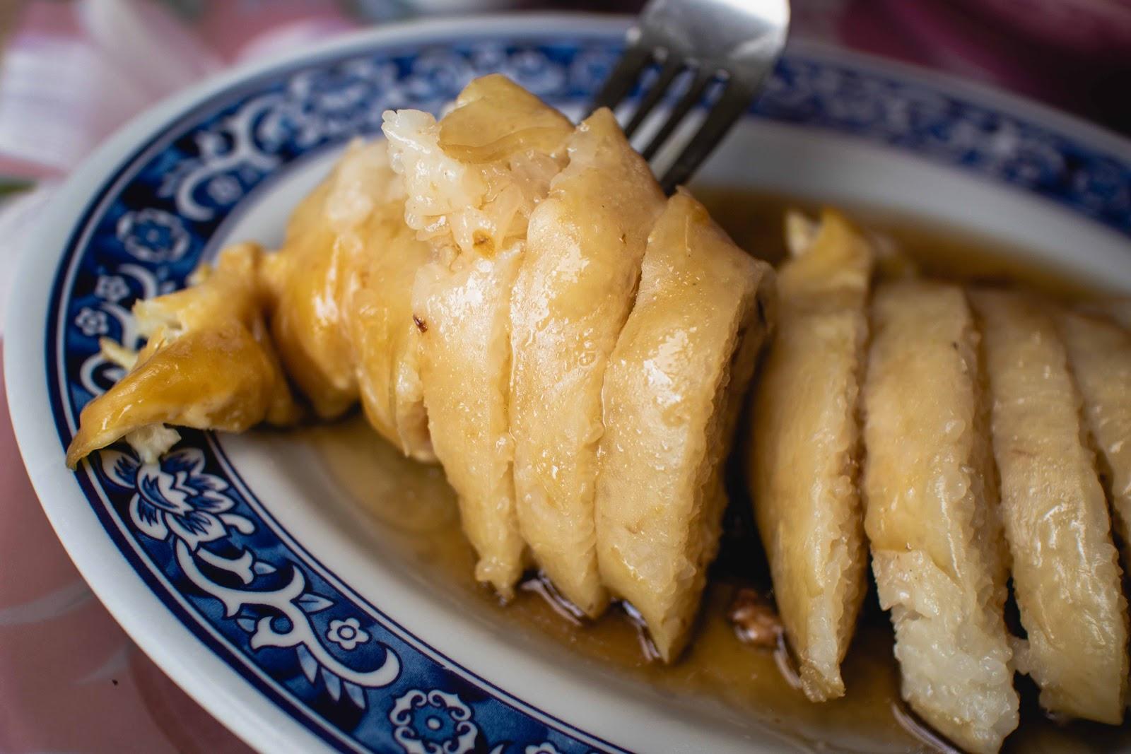 臺南小吃【鎮傳四神湯】中西區美食!赤崁樓前50年小吃老店!筋肉湯碗粿米腸都是人氣品項!