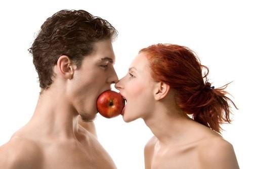 Có nên quan hệ kiểu Oral sex