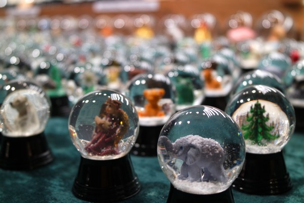vienne vienna marché Noël weihnachtsmarkt boule neige schneekugel
