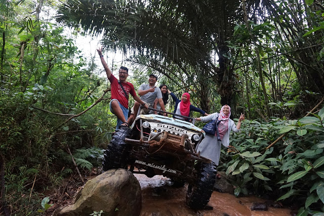 wisata jeep terekstrim di kebun teh nglinggo jogja