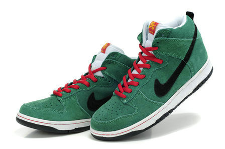 hot sale online 939b0 5f911 High Tops Nike SB Dunk : Green Suede Nike SB Dunk Heineken ...