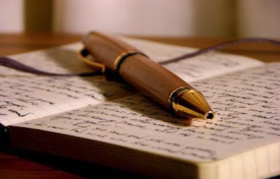 Resultado de imagen para Persona escribiendo un diario