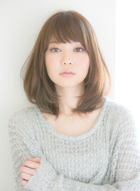 lalu bagimana dengan model potongan rambut sebahu ala wanita jepang lainnya yang paling terbaru dan terpopuler berikut 12