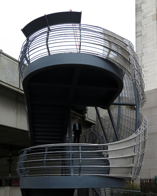 London Bridge Staircase by Bere Architects, London Bridge / River Walkway, London