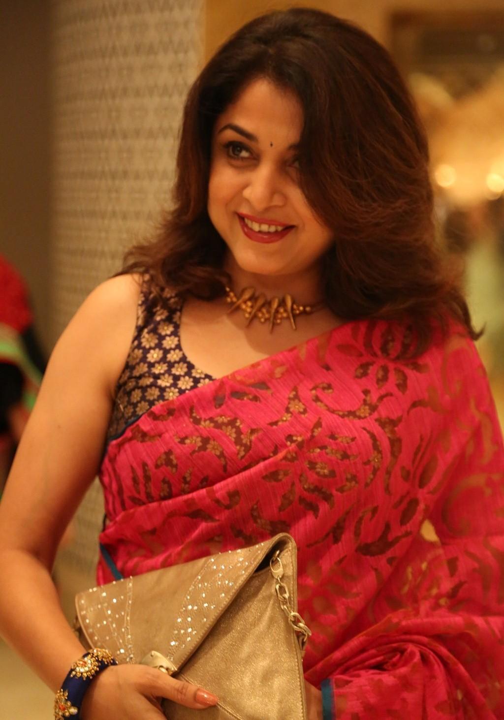 Ramya Krishna Cute Images In Beautiful Red Saree - Cap-8046