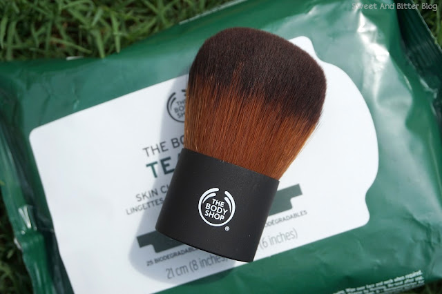The Body Shop Brushes on Sale - Extra Virgin Minerals Powder Foundation Brush
