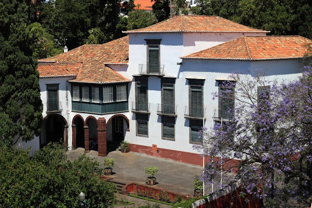 elegance in the Quinta das Cruzes Museum