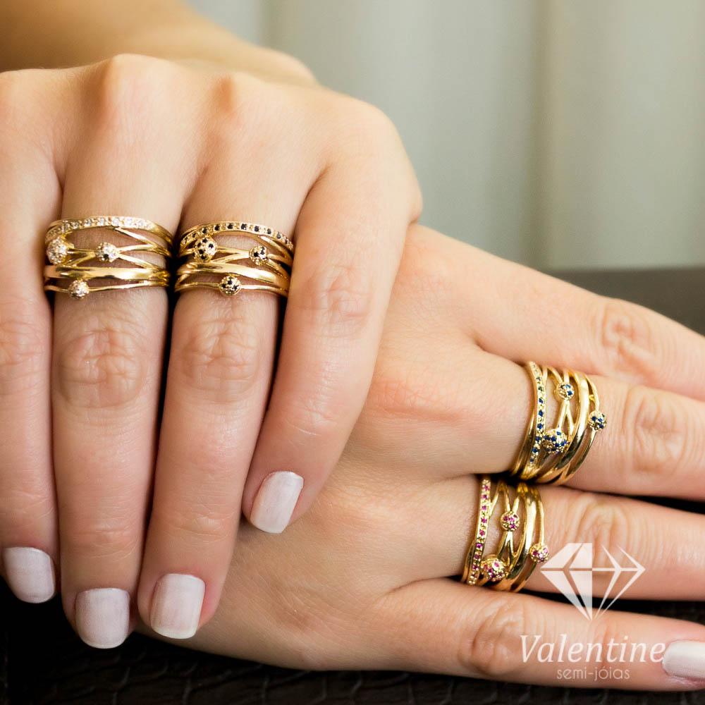 b5d51d92c4c26 Especificamente hoje venho falar dos anéis, uma paixão mundial, eu  particularmente amo, pois deixa a mão das mulheres muito mais femininas e  atraentes, ...