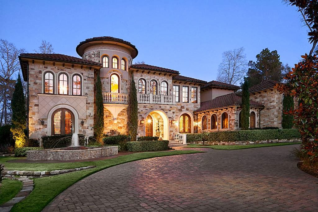 Stunning texas stone stucco estate located on 7th hole for Texas stone homes