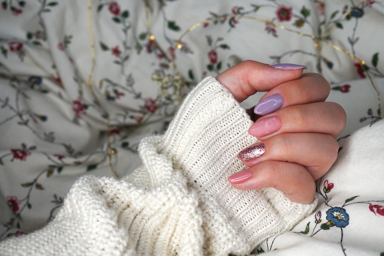 marmurkowy-manicure