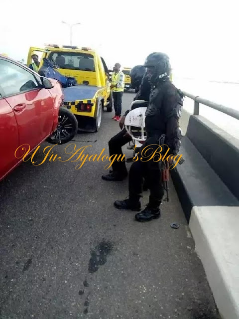 Man's leg falls into lagoon after ghastly accident on Third Mainland Bridge