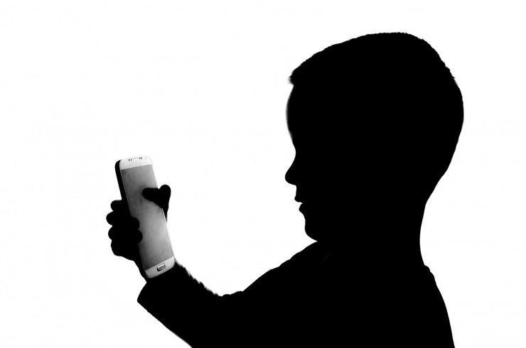 Çocuklara Akıllı Telefon Ne Zaman Verilmeli?