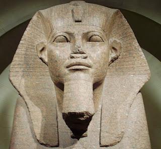 Le Grand Sphinx de Tanis au Louvre