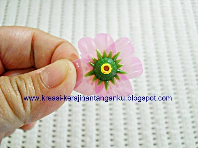 Tampilan bunga sakuranya seperti ini c899214cd7