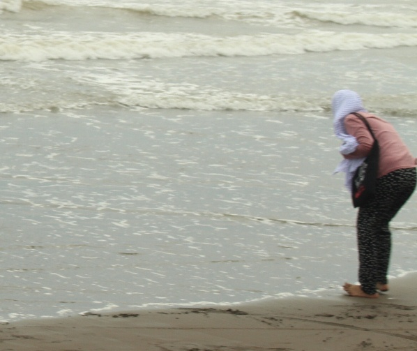 cincin kawin hilang di pantai