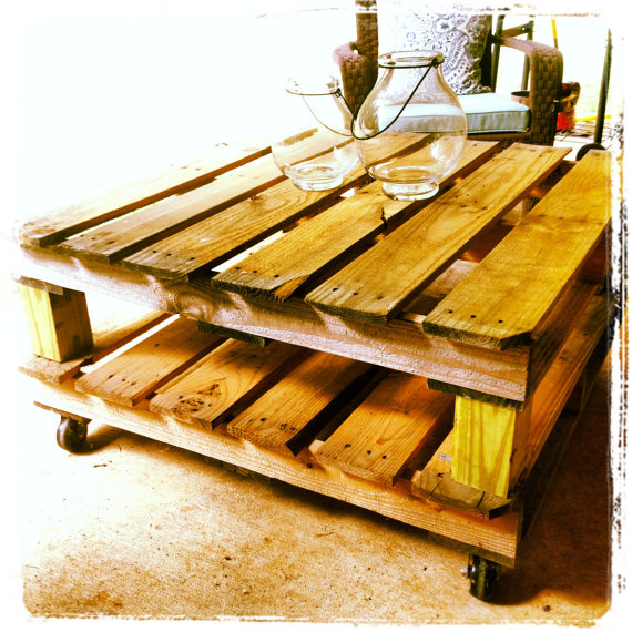 Dishfunctional designs creative ways to use pallets for How to build a coffee table out of pallets
