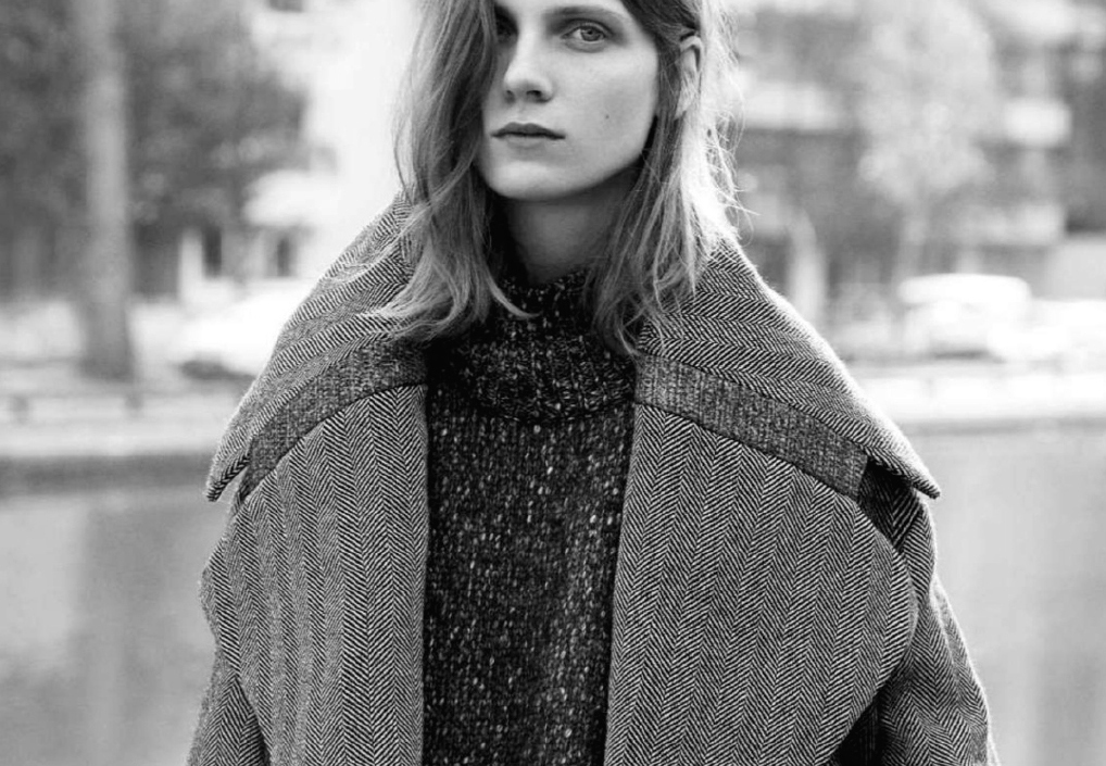 knitted sensuality: maria loks by amit israeli for l'officiel italia december 2014