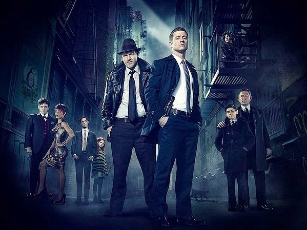 Ben McKenzie and Donal Logue as Detective James Gordon and Harvey Bullock with the rest of the cast in Fox Gotham TV Show Pilot Episode