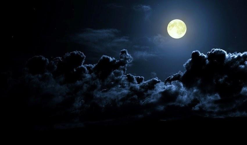 A moon under the Hangzhou's sky