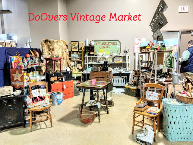 vintage market, booth